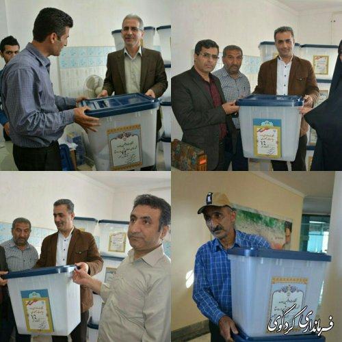 نخستین صندوق های اخذ رأی روستاهای کوهپایه به نمایندگان فرماندار تحویل داده شد