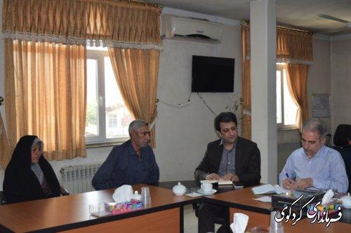 فرماندار کردکوی ؛با چند تن از شهروندان مراجعه کننده دیدار و در مورد مسائل مطرح شده گفتگو کرد