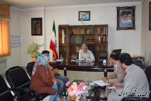 دیدار چهره به چهره  تعدادی از شهروندان با فرماندار کردکوی
