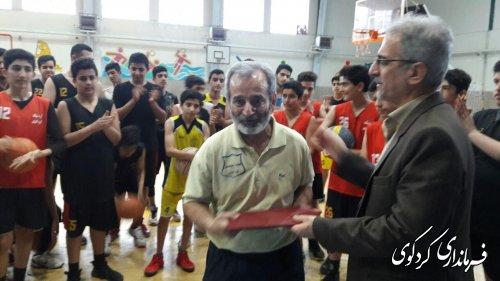 تقدیر فرماندار کردکوی از رییس هیات ومربی موفق بسکتبال کردکوی