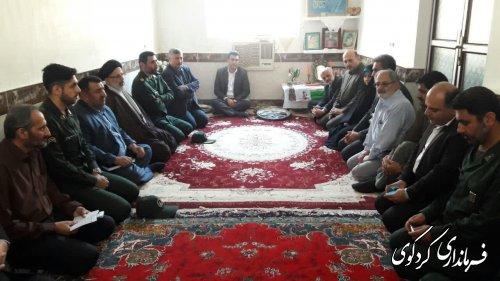 معاون عمرانی استاندار، هیات همراه وفرماندار کردکوی ازخانواده شهید این شهرستان دیدارکردند
