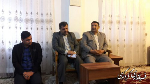 فرماندار کردکوی از خانواده شهید فرصاد دیدار کرد