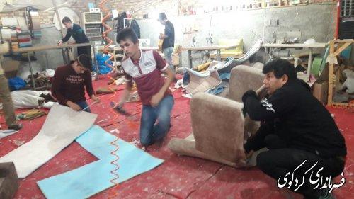 بازدید فرماندار کردکوی از کارگاه مبل سازی یکی از مددجویان کمیته امداد