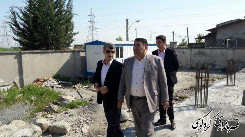 فرماندارکردکوی ازساختمان در حال ساخت سازمان پزشک قانونی غرب استان بازدید کرد