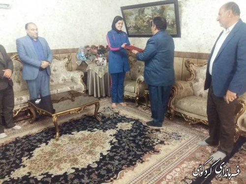 تجلیل فرماندار کردکوی از بانوی تکواندوکاری که به تیم ملی دعوت شد.