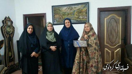 مناسبت گرامیداش دهه کرامت و هفته عفاف و حجاب : از دختران شهید . جانباز تقدیرشد