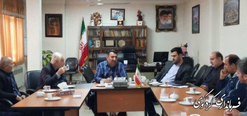 در دیدار دهیار و اعضای شورای اسلامی روستای نامن مسائل و مشکلات این روستا مورد بررسی قرار گرفت.