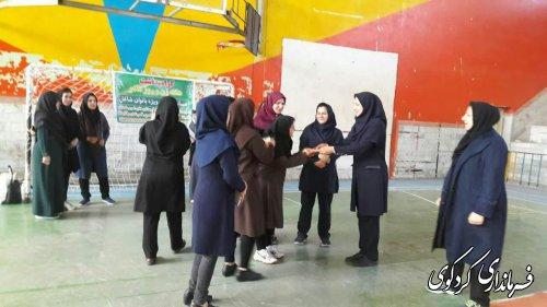 """مسابقه """" داژبال """" ویژه بانوان شاغل در دستگاه های اجرایی غرب استان در کردکوی"""