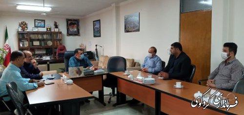 نشست دهیار و اعضای شورای اسلامی روستای یساقی با ابراهیم قدمنان فرماندار کردکوی