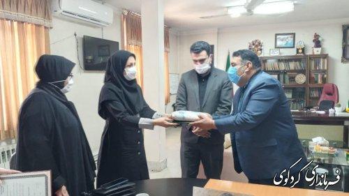 با حضور مدیر کل بانوان استانداری از زحمات مدیران بانو در شهرستان تقدیر شد