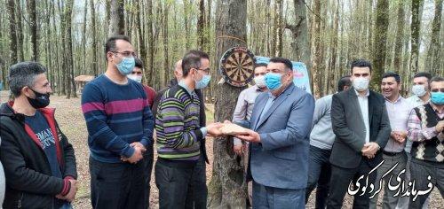 فرماندار از فرزندان شهید شهرستان تجلیل و تقدیر کرد.